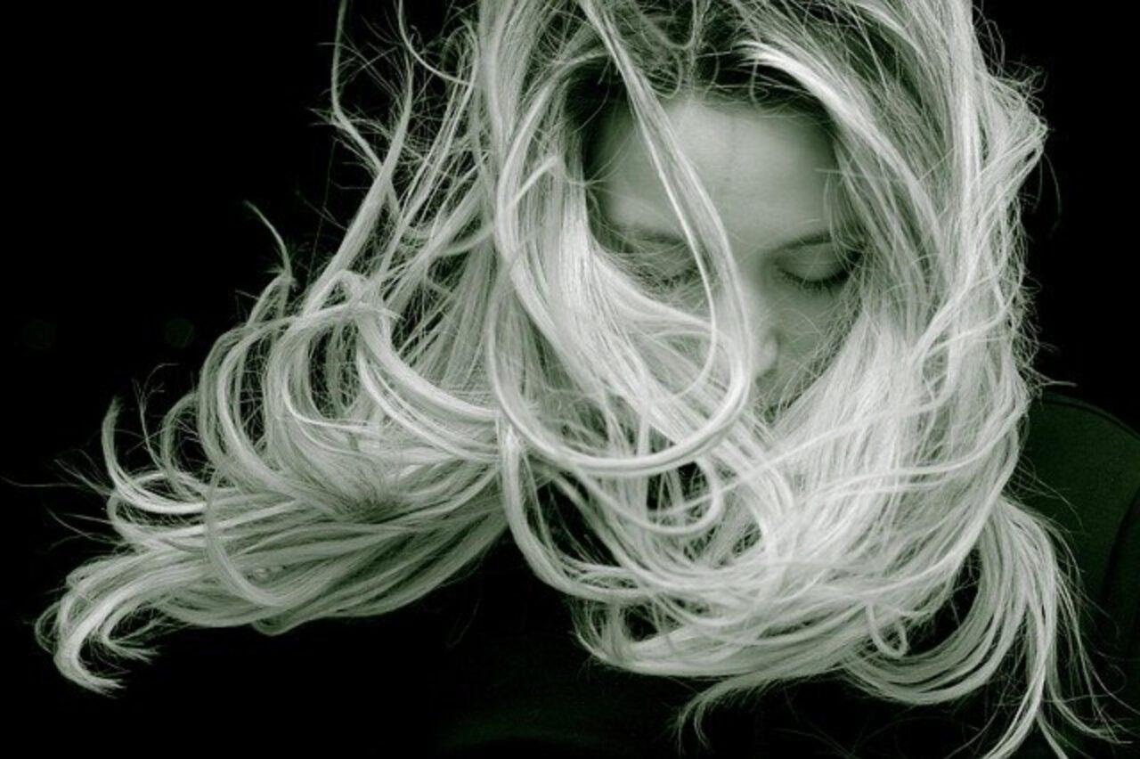 Sposoby na proste włosy